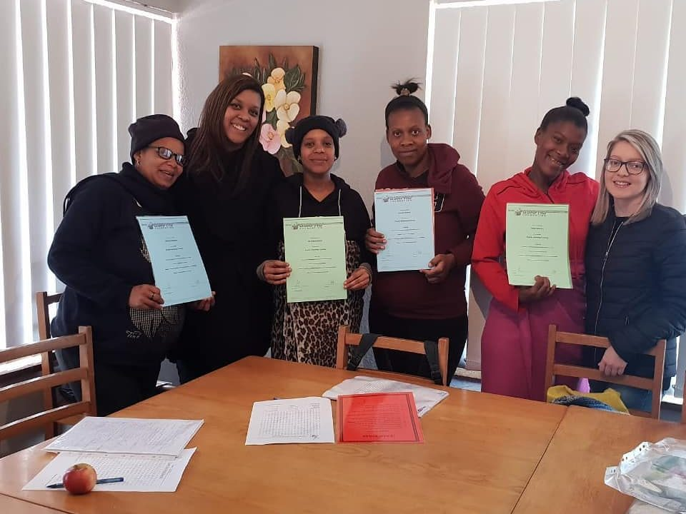 The girls at Magdalena Huis successfully finished our Teen parenting program
